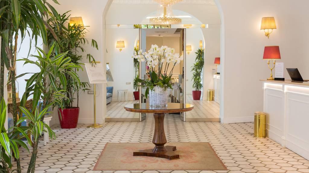 Hotel-Milton-Rome-hall-6