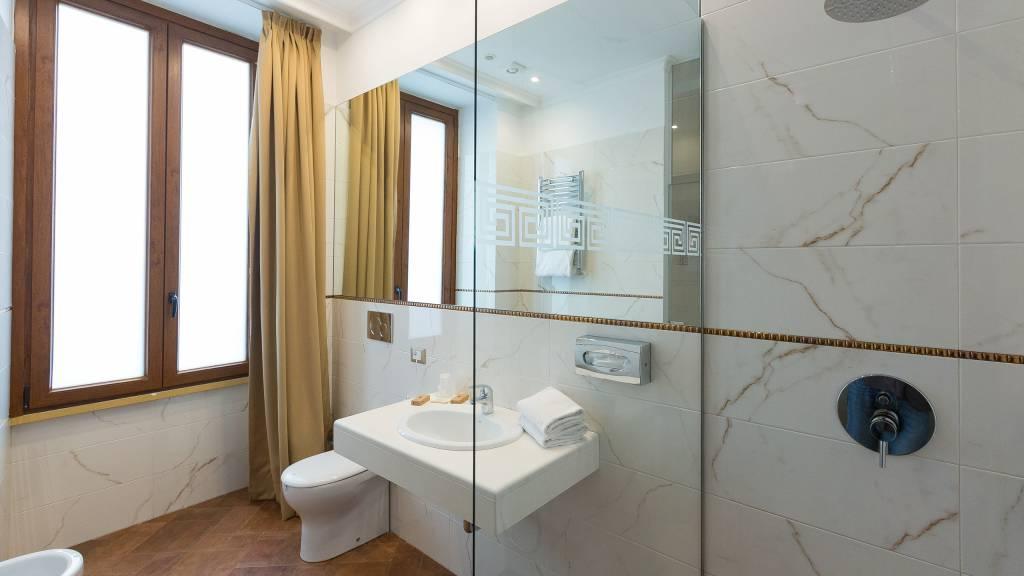 milton-hotel-rome-room-executive-63