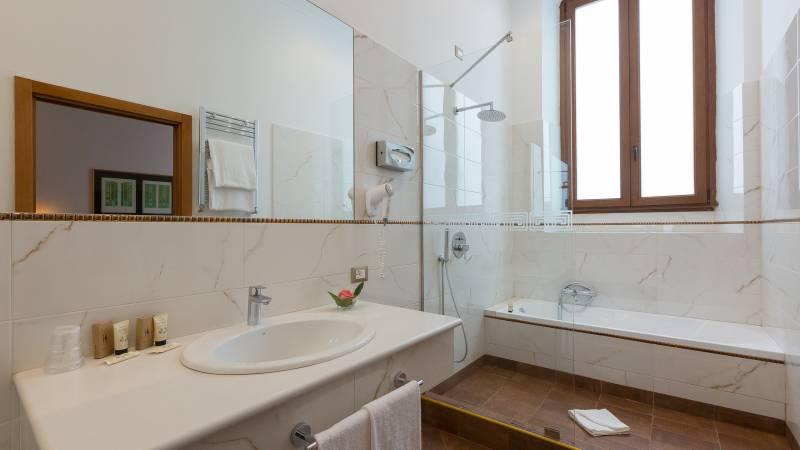 milton-hotel-rome-room-executive-7